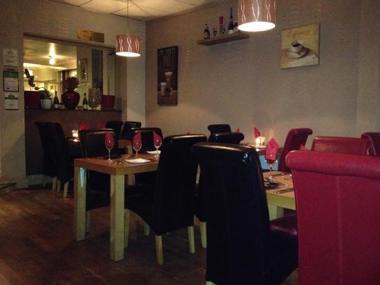 Il Piatto ristorante italiano: Lovely decor at Il Piatto