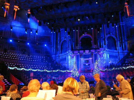 Grand Foyer Bar Allphones Arena : Coldplay at the royal albert hall picture of