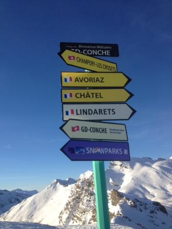 Jack & Jill - Chalet Beaumont : France or Switzerland today?