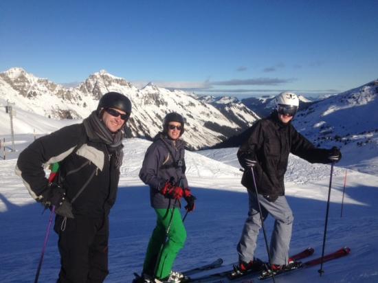 Jack & Jill - Chalet Beaumont : Chale friends on slope