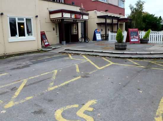 Toby Carvery: Disabled Parking and Entrance