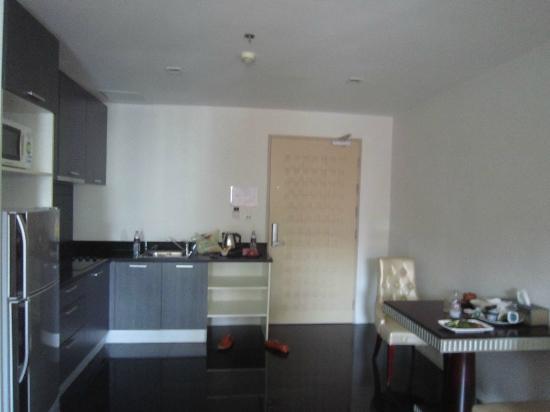 Bless Residence: kitchen