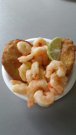 Shrimp with coconut arepas - Picture of El Rincon de la Arepa, Rio ...