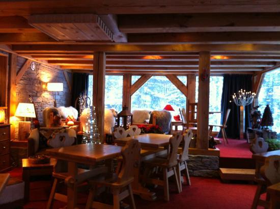 Chalet Hotel L'Ecureuil: Salle du restaurant