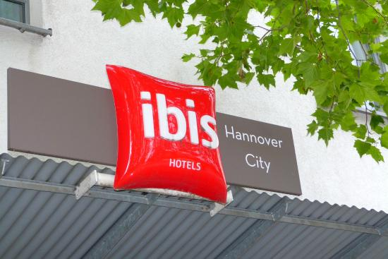 Ibis Hannover City: The hotel logo over the main entrance
