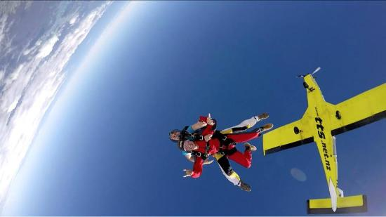 Skydive Bay of Islands: Peace