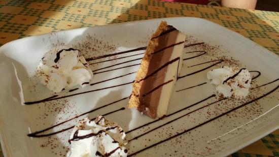 Piccolo: tarta de tres chocolates