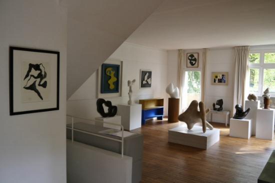 Clamart, France: L'atelier de Jean Arp