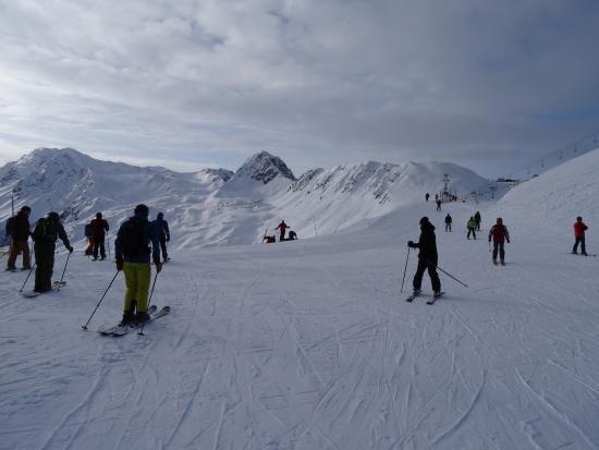 La Plagne Ski Resort: vue en dessous de la jonction avec montchavin