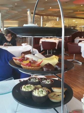 Harvey Nichols Forth Floor Restaurant: Afternoon tea