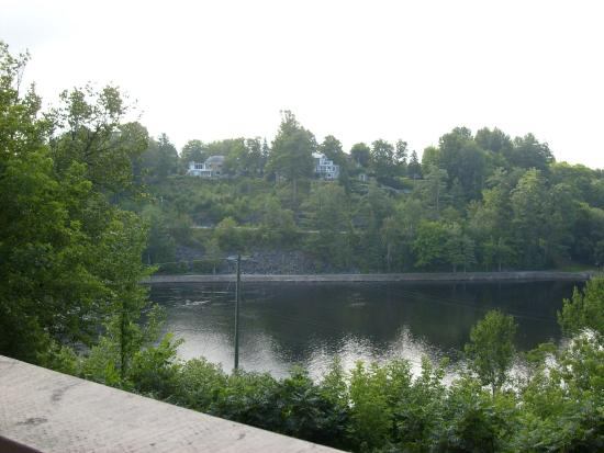 Inn at the Falls: View from Balcany