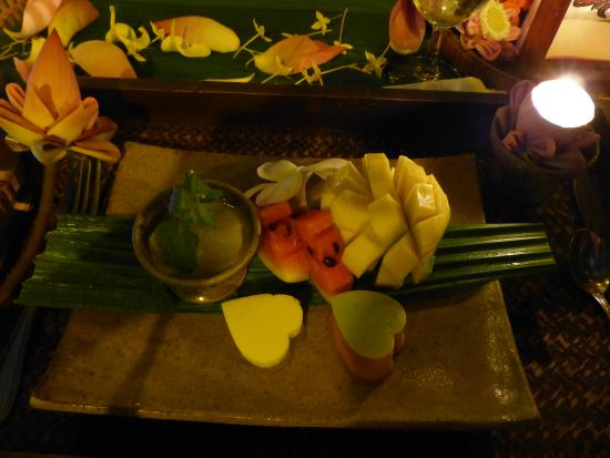 La Tradition D'Angkor Boutique Resort: La Tradition D'Angkor:  Khmer Sweets and Fresh Fruit