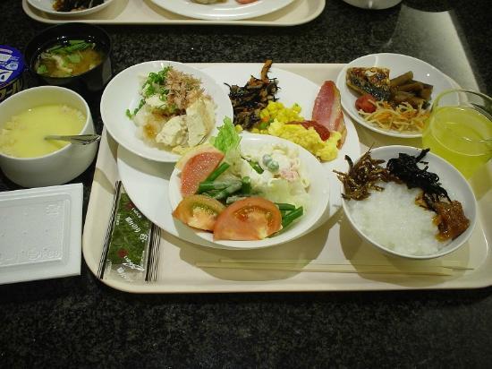 Hotel Sun Okinawa: バイキング方式の朝食です。