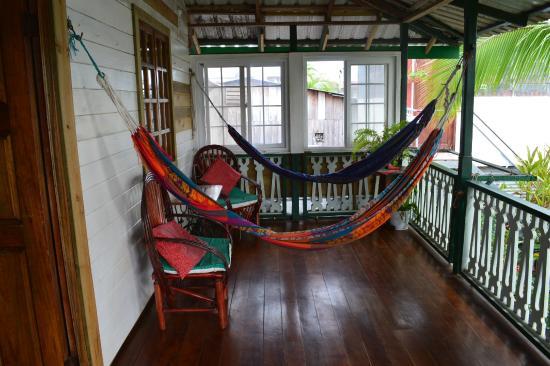 Hotel del Parque: Terraza trasera