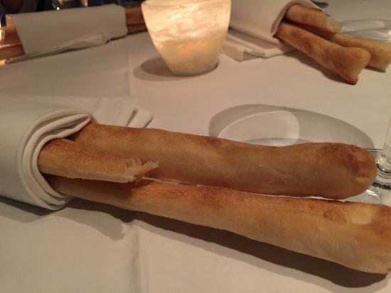 Grissini (Grand Hyatt Hong Kong): A most tasty bread