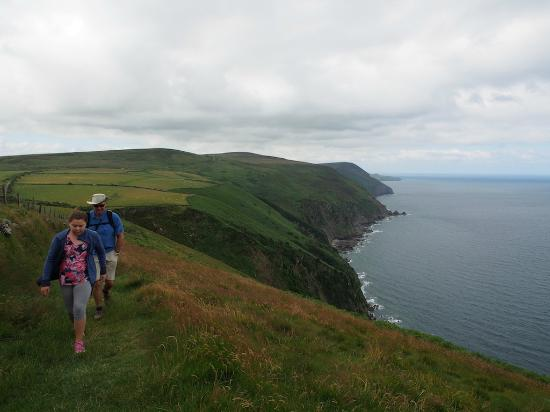 Escape The City Tours - Day Tours: North Devon Coast with Jo
