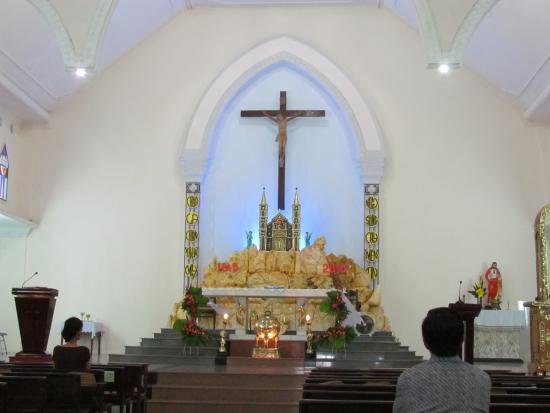 Hoj An, Vietnam: the altar