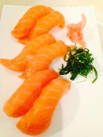 Rolling Sushi: Salmon Nigiri