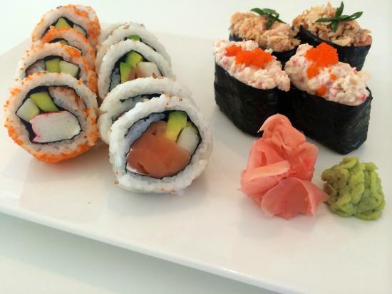 Rolling Sushi: American combo