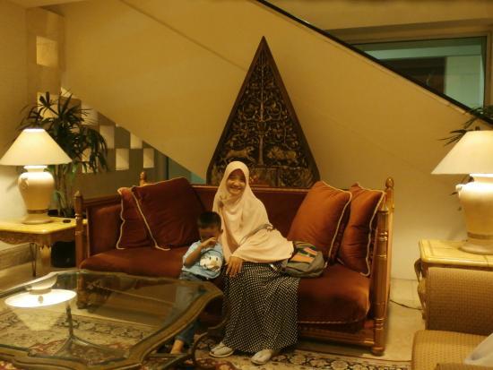 Hotel Borobudur Jakarta Lobi Club Discovery Lounge Breakfast Bogor Cafe