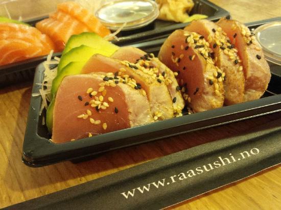 Ra Sushi & Bar: Seared Tuna & Fresh Salmon
