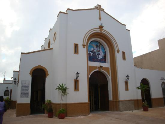 San Miguel Church (Iglesia de San Miguel): Fachada principal de la iglesia