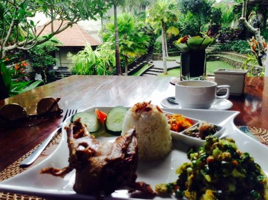 Museum Puri Lukisan: lunch at the museum restaurant!