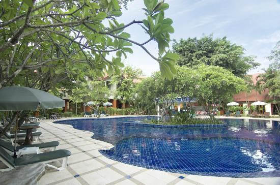 Hyton Leelavadee Phuket: Resort Pool