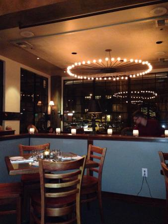 Paragon Portland: Dining area