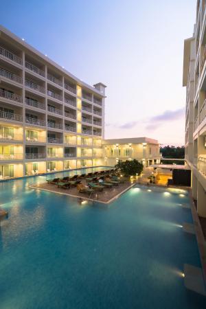 Chanalai Hillside Resort : Swimming Pool