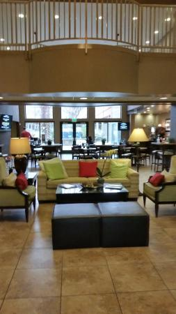 Wingate by Wyndham St. George: Lobby Area
