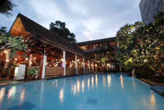 Paku Mas Hotel