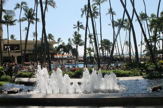 Hilton Hawaiian Village Waikiki Beach Resort Fountains And Super Pool Behind Main Lobby