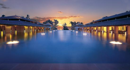 JW Marriott Phuket Resort & Spa: Reflection Pond
