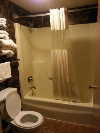 Travelodge Hershey: bathroom