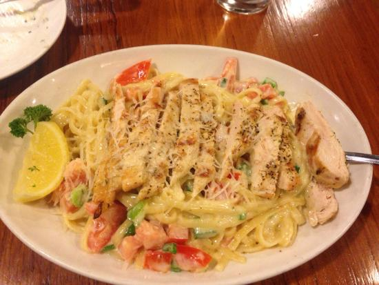 The Fish Market: Pasta Con Chicken