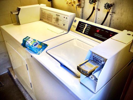 Breakers Hotel: 洗濯機と乾燥機
