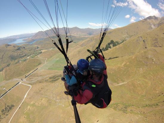 Wanaka Paragliding: View of Lake Wanaka
