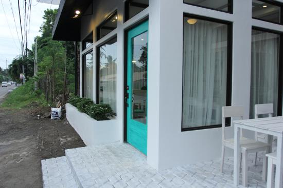 Sea Green Cafe and Lifestyle Shop Find the sea green door! & Find the sea green door! - Picture of Sea Green Cafe and Lifestyle ...