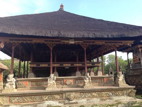 Pura Dalem Bentuyung Temple: .