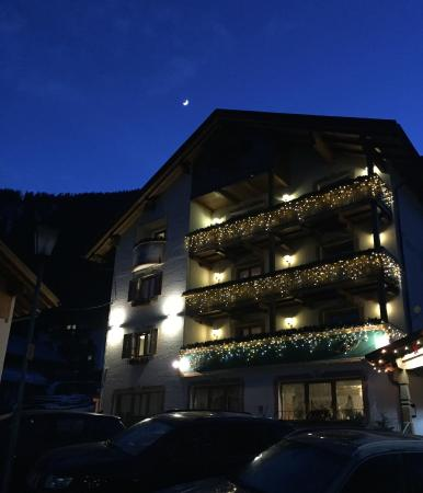 Piccolo Hotel Claudia di notte