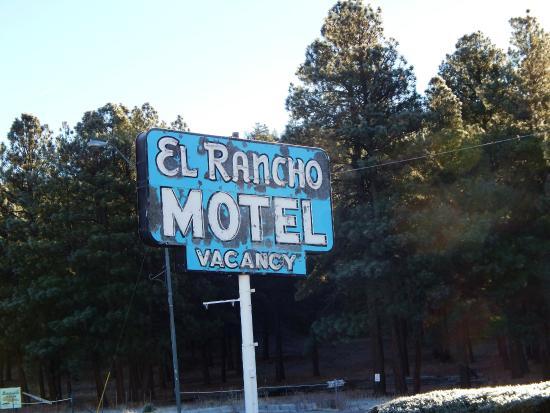 El Rancho Motel : Вывеска