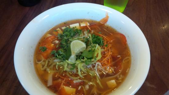 Nudluskalin: Veg Noodle soup