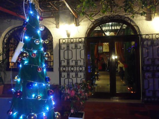 L\'entrée du restaurant - Picture of La Salle a Manger, Tunis ...