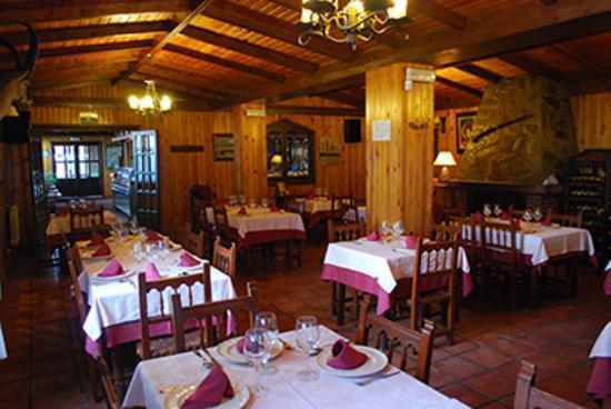 Los Jamones Restaurant: Comedor