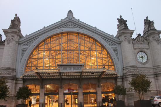 إيبيس تورز سنتر جار: Gare de Tours