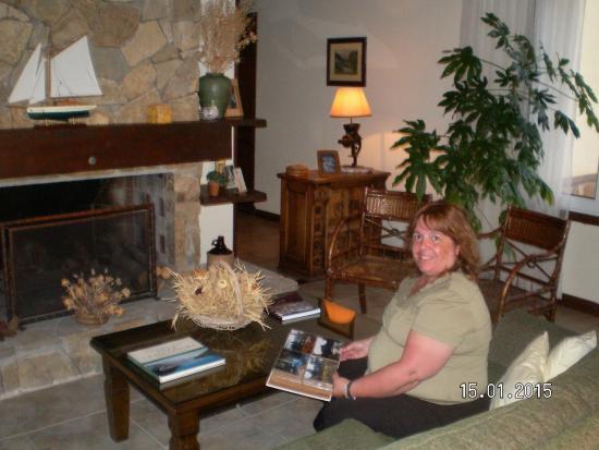 Hosteria Le Lac: La sala de estar,con una vista increible