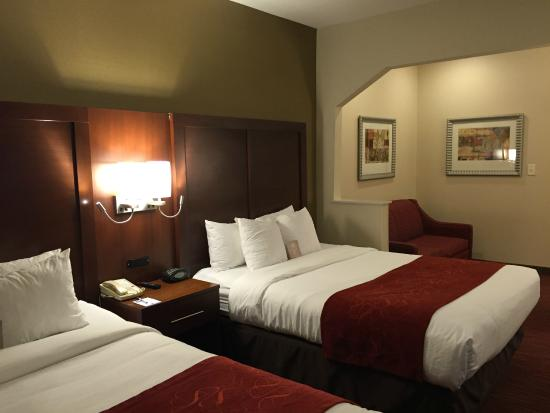 Comfort Suites - Columbus / Clara St: Two Queen Beds Suites