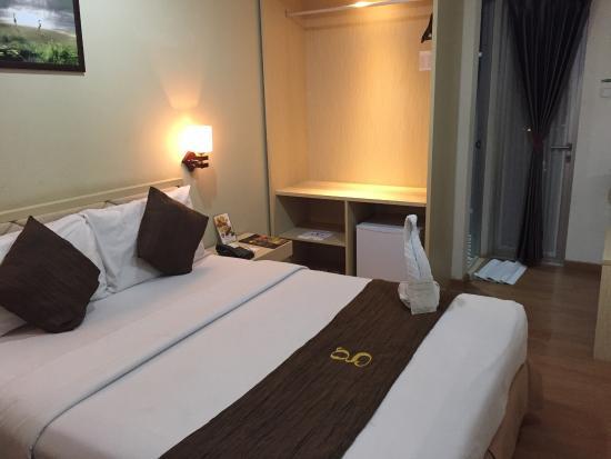 Hotel Gunawangsa Manyar: Bedroom