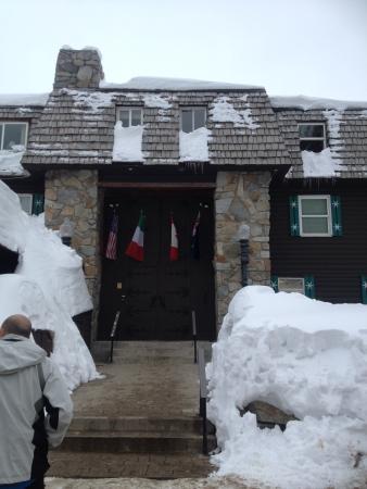 Alta Peruvian Lodge: Entrance